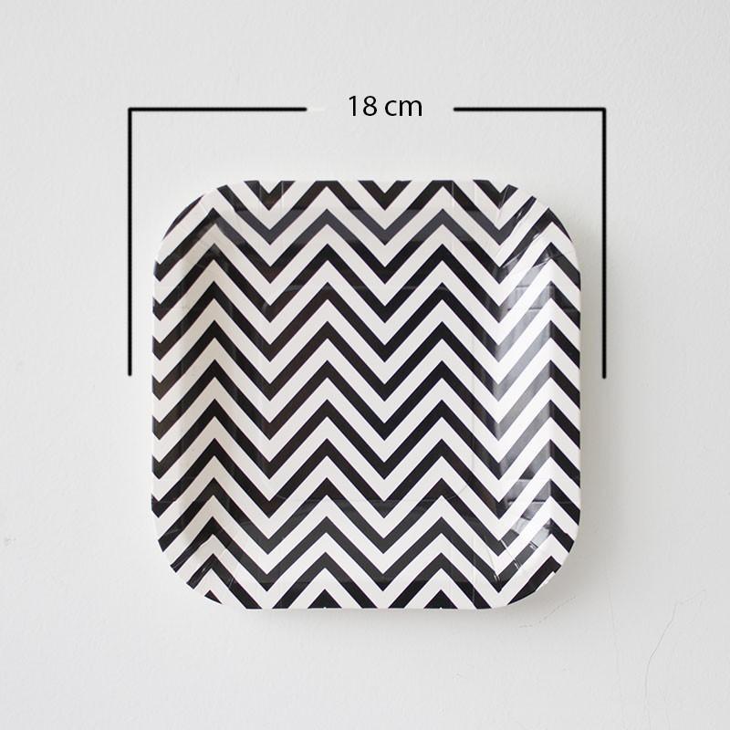 12 Platos cuadrados chevron negro