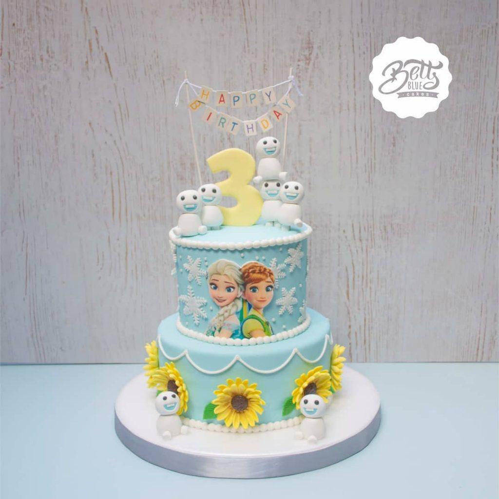 pastel princesas Anna, Elsa y muñecos de nieve
