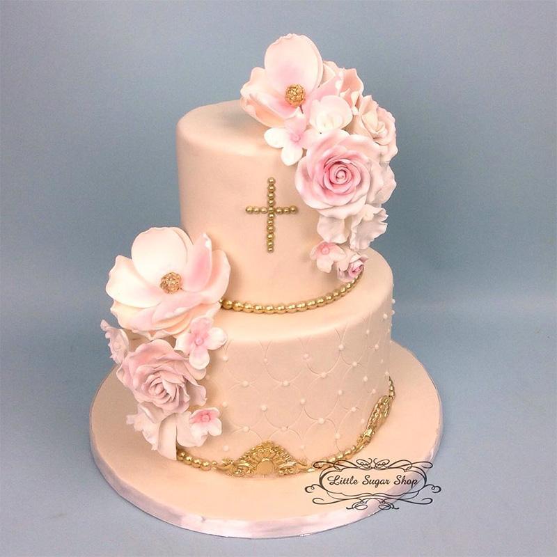 Pastel bautizo niña color pastel, flores y decoración.