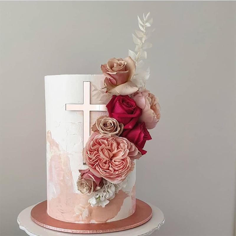 Torta de bautizo niña decoración moderna tonos rosa.