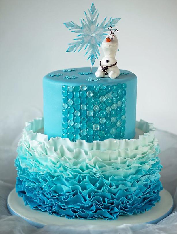 Torta decorada azul con Olaf